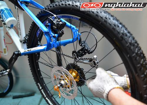 Làm thế nào để nắn thẳng đĩa phanh cong xe đạp1