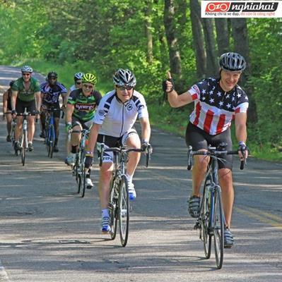 Không nên làm gì khi tham gia vào nhóm đạp xe tiếp theo 3