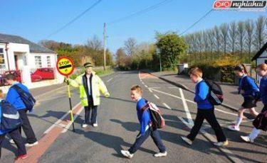Đạp xe và đi bộ tới trường 3