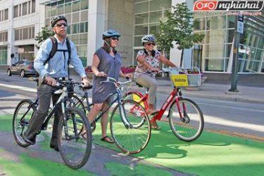 Đạp xe với một phong thái tự tin 3