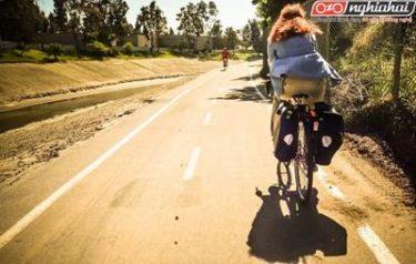 Đạp xe với một phoang thái tự tin 4
