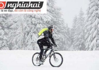 8 mẹo vặt hàng đầu giúp bạn đạp xe trên tuyết 1