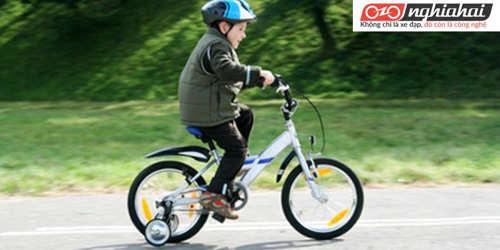 Bạn có biết trẻ em đi xe đạp có rất nhiều lợi ích 1