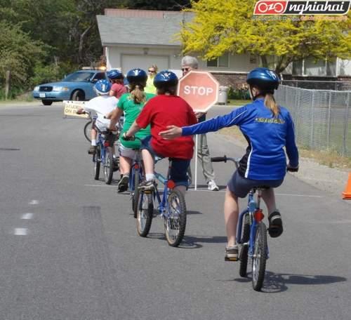 Cách đi xe đạp an toàn cho trẻ em 2