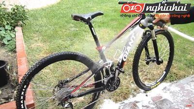 Cách làm sạch một chiếc xe đạp lấm bùn 2