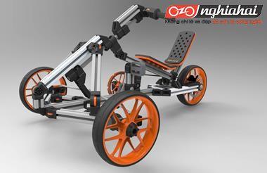 Một chiếc xe biến hình trẻ em có thể chơi đến mười tuổi 1