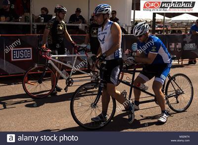 Người đạp xe khiếm thị 1`