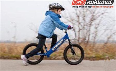 Độ tuổi thích hợp cho bé đạp xe 3