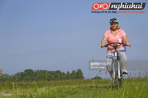 Cô nàng béo đạp xe đạp 2