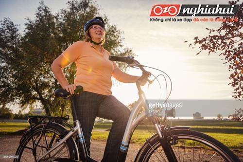 Cô nàng béo đạp xe đạp 4