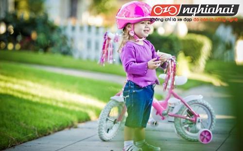 Chỉ dẫn an toàn khi trẻ đi xe 1