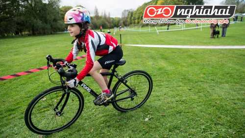 Chiếc xe đạp trẻ em cùng bé lớn lên 2
