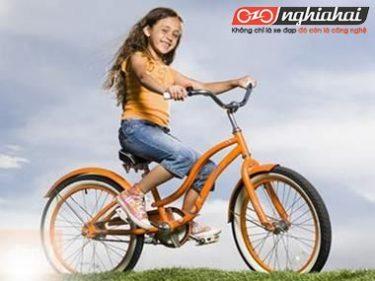 Giúp bé hứng thú hơn với hoạt động ngoài trời bằng các trò chơi với xe đạp 3