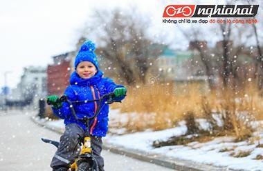 Mùa đông trẻ em có thể đi xe đạp không 3