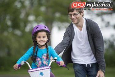 Làm thế nào để dạy một đứa trẻ cách đi xe đạp khi chúng không hề thích thú 2