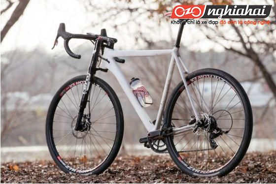 Đánh giá khách quan những ưu điểm và nhược điểm của xe đạp sợi carbon 2