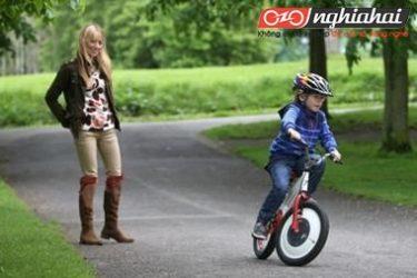 Chiếc xe đạp trẻ em không thể đổ 2