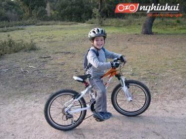 Một chiếc xe đạp leo núi thiết kế chuyên dụng cho trẻ em 3