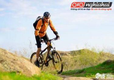 Năm kỹ năng cho leo núi bằng xe đạp rất hữu dụng đối với những tay đua mới. 1