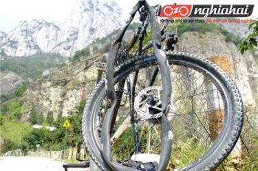 Đạp xe đạp địa hình như thế nào để tránh bị nổ lốp 2