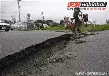 Nếu bạn gặp động đất khi đạp xe thì làm thế nào 1`