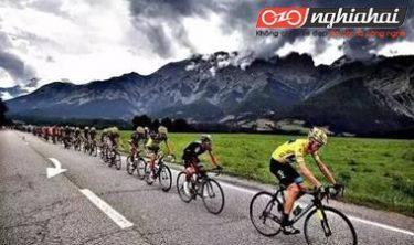 Nguyên nhân và giải pháp cho vấn đề đạp xe bị đau cổ 2
