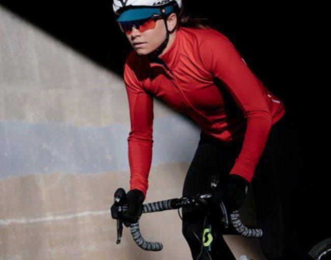 Áo mặc ngoài Velocio ES mang đến sự thoải mái cho những chuyến đạp xe của bạn 3