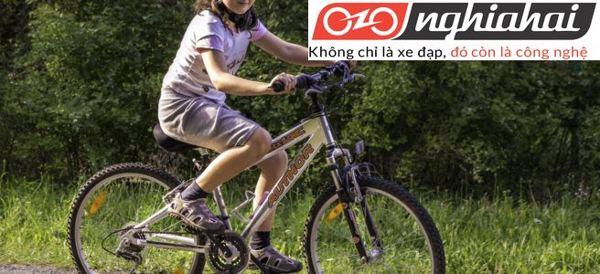 Cách bỏ bánh xe trên xe đạp trẻ em 3