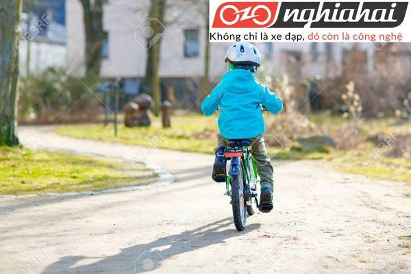Các bước dạy trẻ cách đi xe đạp cân bằng 3