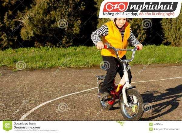 Cách dạy trẻ kiên nhẫn khi đạp xe 3