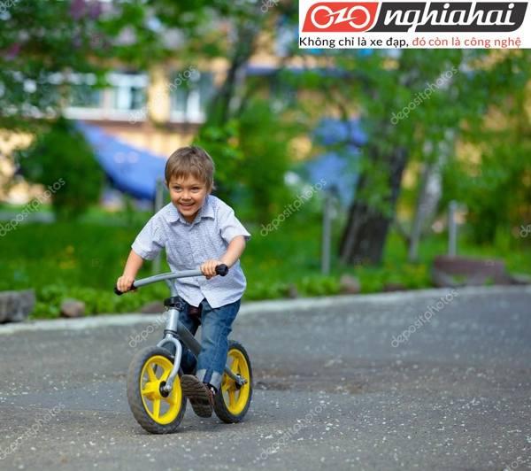 Mẹo giữ an toàn khi đạp xe đạp trẻ em 2
