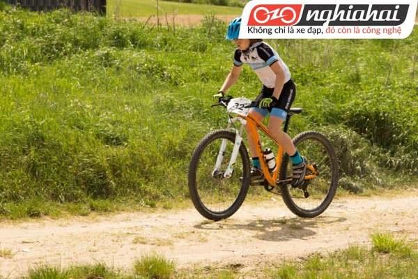 Cách chọn xe đạp trẻ em leo núi 1