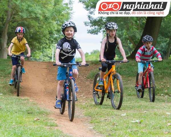 Dạy trẻ em làm thề nào để đạp xe đạp 3