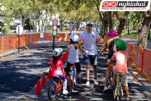 Phương pháp đạp xe đạp trẻ em cho bé 3
