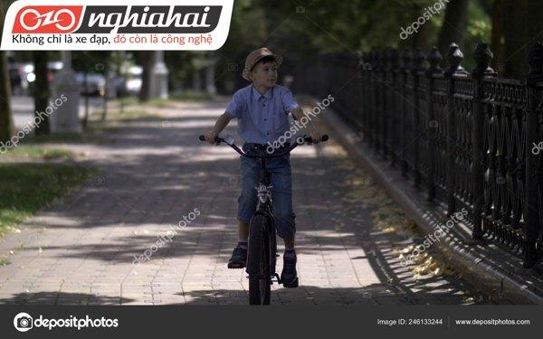 Kết hợp đi xe đạp với túi du lịch 2